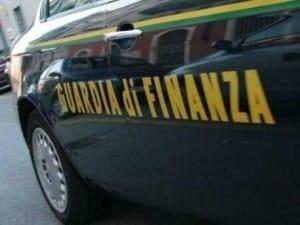 Foto generica auto guardia finanza