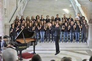 Coro giovanile del San Carlo, maestro CarloMorelli