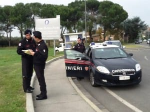 carabinieri_controlli_empoli_centro_commerciale_elicottero2