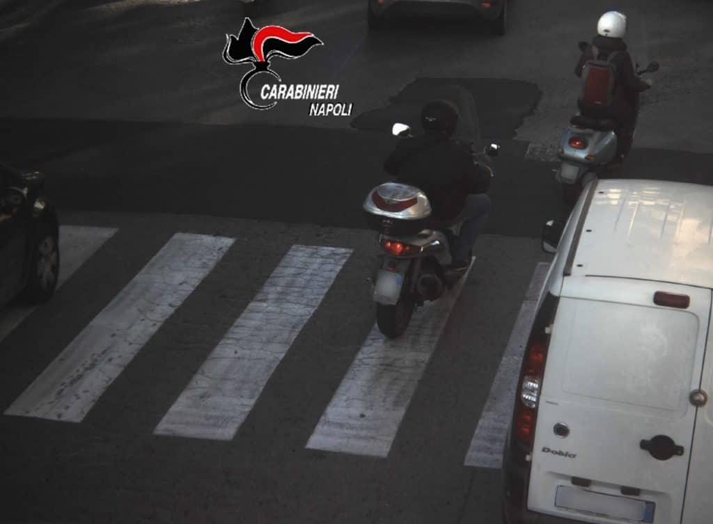 Napoli, fratello boss rapinatore seriale di donne: fermato