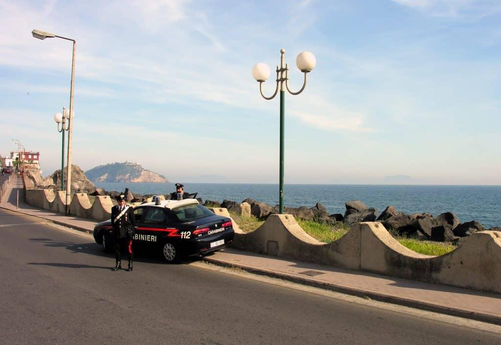 Tentata estorsione a noto ristorante arrestati genero e boss di Pozzuoli