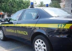 Guardia-di-Finanza-Auto193