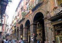 Napoli Via Tribunali