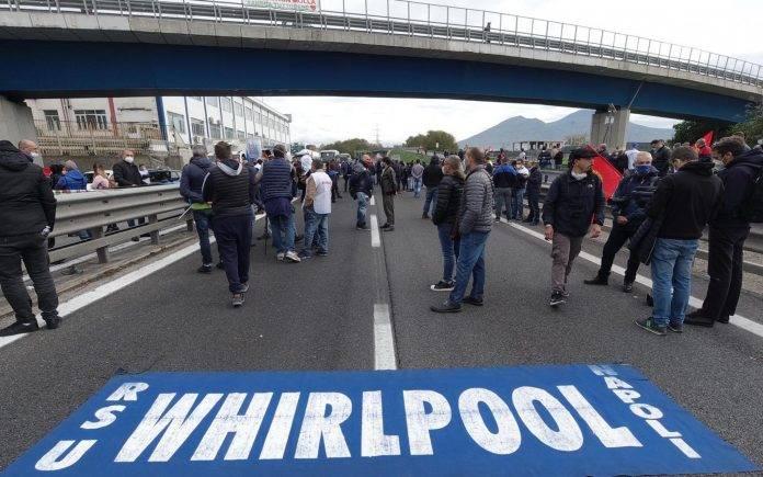 Whirlpool Protesta Napoli